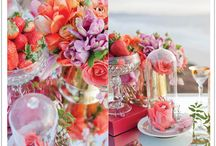 Scavenger Hunt Valentine's Day Proposal / This Scavenger Hunt for Love by Alchemy Fine Events captures a step by step scavenger hunt leading to a beautiful Valentine's Day Proposal and lush flowers on a gorgeous cliffside tablescape