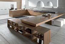 Küche mit Bord