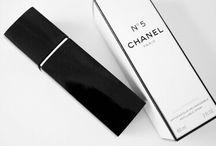 p a r f u m. / perfume.