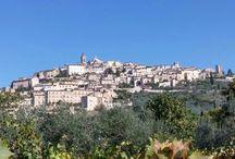 Trevi umbria / cosa succede di una piccola cittadina nel cuore dell'Umbria