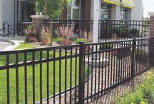 Zahrádka - plot kovový, schody