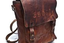 Mochilas, maletines y bolsos.