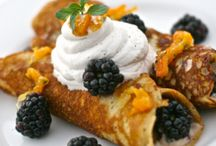Paleo Pancakes & Waffles / These recipes are for paleo pancakes and waffles!