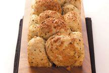 Breads/Rolls / by Jaime Casale