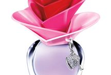 LOVELY perfume bottles TO SHOW / by Joyce Newton