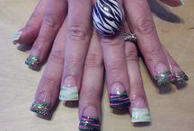 nails / by Amanda Carbone