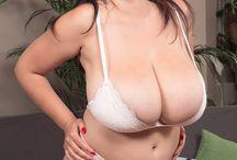 Lara Jones