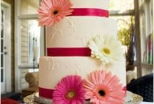 Cakes / by Kyndra Llanez