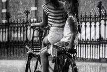 Bicykles. Na kolech.