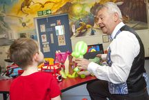 Mr Merlin visits the children's ward / Magician Mr Merlin visited children at the QE and entertains them with balloon animals and magic tricks.