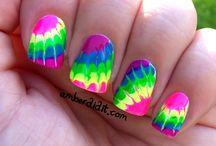 nails / by Diana Rabina