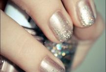 New Years Eve Nails / The perfect manicure ties together your whole outfit!