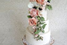 The best cakes / by Kathleen Northcutt