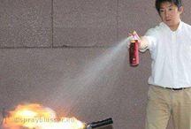 Sprayblussers / Sprayblusser auto, camper, boot, caravan, kantoor, woning. Sprayblussers zijn compacte brandblussers met rijkskeurmerk. Soorten brandblussers te onderscheiden in gewicht. Sprayblussers zijn lichtgewicht brandblussers en onderhoudsvrij. Metalen brandblussers zijn de meest bekende brandblussers. Meestal moeizaam van de wand te tillen en kostbaar in onderhoud. Met sprayblussers van sprayblusser.eu beperkt u brandblusser onderhoud kosten aanzienlijk. Info sprayblussers: http://www.sprayblusser.eu