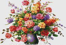 Schema punto croce fiori nel vaso
