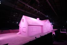 Marc Jacobs Spring FW'15 (Pink house) / Creative NYC was thrilled to create another exceptional fashion show for Marc Jacobs and to once again work in perfect collaboration with Stefan Beckman.