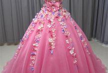 ピンパーネルドレス