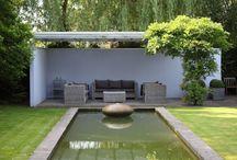 Vijver tuin / Een grote tuin met een grote strakke #vijver