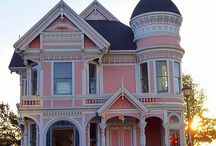 Pink houses / Architecture