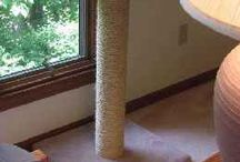 Scratching post for poss
