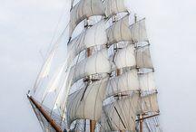 корабли море
