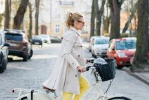 Cycle chic / Looking fashionable on two wheels