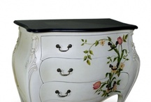 Coffee Tables and Accent Tables