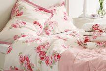 Bedroom inspiration / Girly