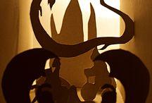 La historia interminable - Diseño Editorial / Este proyecto editorial consiste en la maquetación de un libro y su producto física. Por lo tanto, este proyecto ha abarcado tanto la maquetación y diseño de los diferentes elemetos del libro, como su producción. La obra en cuestión ha sido La Historia Interminable, de Michael Ende. Un relato de fantasía destinado a un público infantil y cuya historia nos introduce en un mundo de fantasía con seres fantásticos y donde la magia de la lectura envuelve al público.