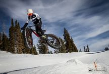 Fat Bike Action / Fat bikes and all who love them.