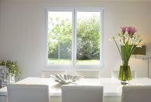 Place à la lumière avec l'alu / Que ce soit grâce à des cadres très fins, des ouvrants cachés ou des fenêtres coulissantes, les fenêtres aluminium laissent passer 15% à 20% de lumière et de chaleur en plus !  Démonstration en image !