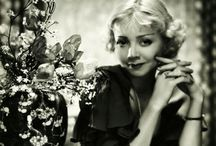 Alice White / Alice White (August 25, 1904, Paterson, New Jersey – February 19, 1983, Los Angeles, California) was an American film actress.