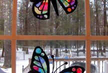 Crafts: Tissue Paper Stained Glass,../ sillkipaperi ikkunakoristeita yms.