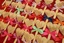 Valentýn, MDŽ, den matek