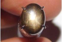 batu mulia black star sapphire