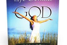 MAKING EYE CONTACT WITH GOD--A WOMEN'S DEVOTIONAL / An interactive weekly devotional designed to create a sweet, safe place for women to draw closer to the Lord.
