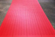 Red carpet / Party coming up? Make a perfect entrance on the red carpet from Bergo Flooring! Keeps your shoes dry, even in rain. 10 sqm, ca 15 minute installation. Quick & easy to remove and store.