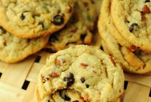 Cookies & Baked Yumminess! / by Courtney Pempeit