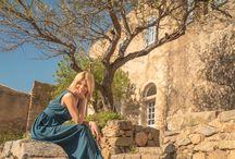 Un été à Pigna / En Corse, il n'y a pas de limites à l'émerveillement. Comme vous, nous redécouvrons notre île à l'infini. Nos saisons sont des escales, des aventures, au gré de nos itinéraires de collection. Alors on embarque pour le paradis, direction Pigna pour découvrir la douceur d'une #benoavita. Du bleu ciel de printemps, au jaune de l'immortelle, notre collection s'inspire de la joie de vivre d'un été au village, dans la simplicité d'une aventure hors du temps...