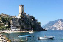 Malcesine / Malcesine e e una cittadina sul lago di Garda sotto il monte Baldo