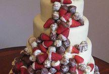 Wedding Cakes / Wedding Cake ideas... / by Kiana Stewart
