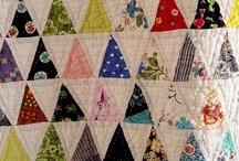 Thousand Pyramids ou Mille Piramides / Quilts faits de triangles équilatéraux - famille des 60°