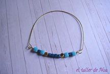 Pulseras rígidas Col. Minimal bracelet /  Una colección de pulseras rígidas con un pequeño toque de color.