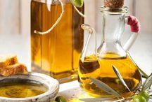 Aceite de oliva / El aceite de oliva virgen extra es el zumo puro de las aceitunas.