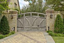 Entrance Gates / by Keri Leslie