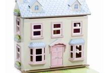 Dolls Houses / by Dawn Keogh