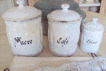Pots émaillés de cuisine