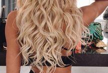 Lang blonde krulle