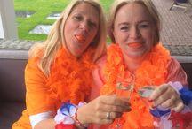 TANDJES DOOR DE JAREN HEEN / Twee lieve gekke meiden die samen hun belevenissen  en belangrijke momenten vast leggen dmv een foto!