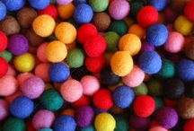 Felt Balls / Do you want to buy felt balls in bulk so that you can create your own felt ball designs, or felt ball garlands?  We are here to help you.  Felt Ball Rug Australia has wide range of felt balls that are made from top quality New Zealand wool, handmade by Nepalese women artisans. You can buy felt balls in different sizes and colours.
